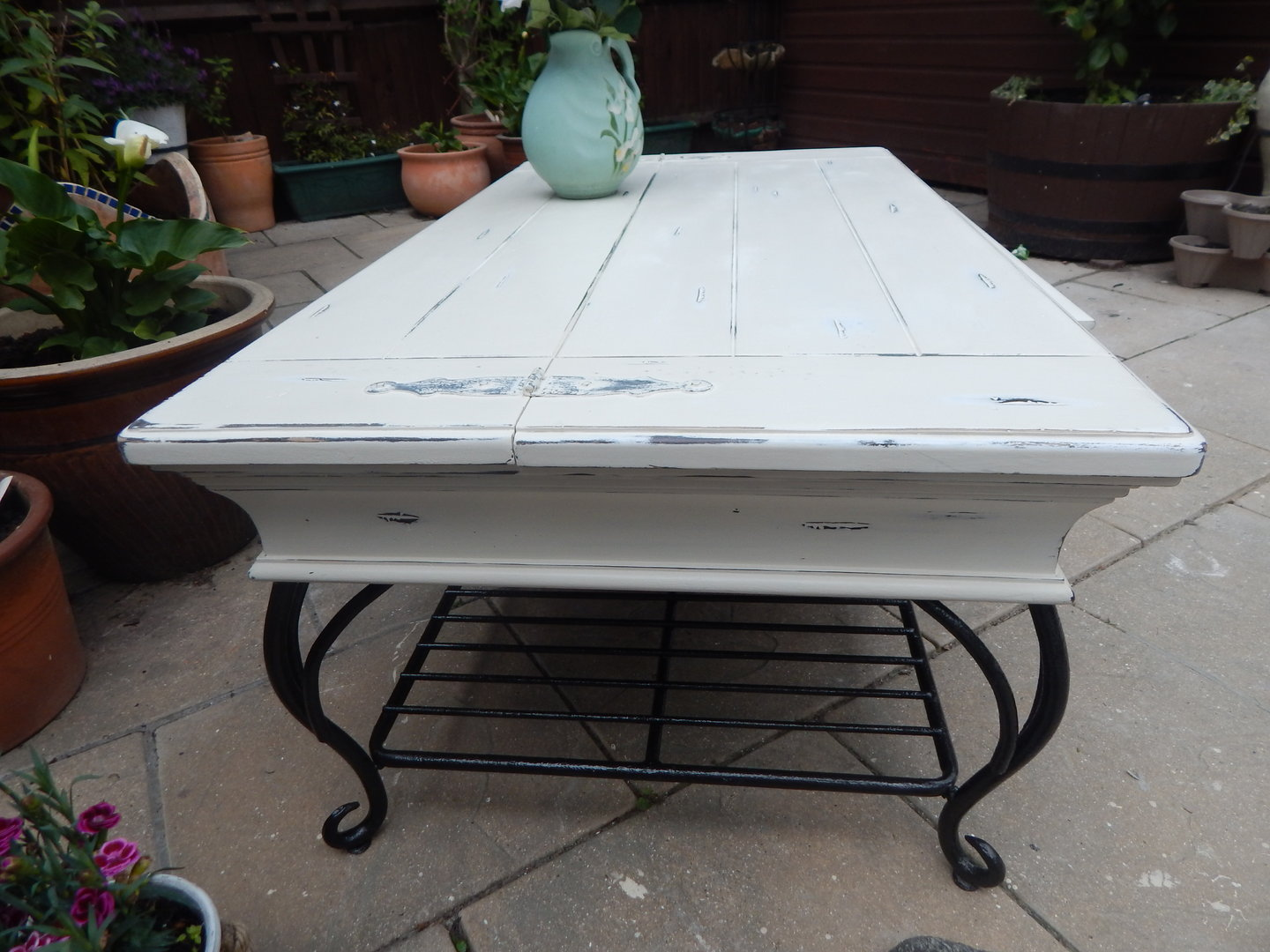Gorgeous Shabby chic Vintage Coffee table