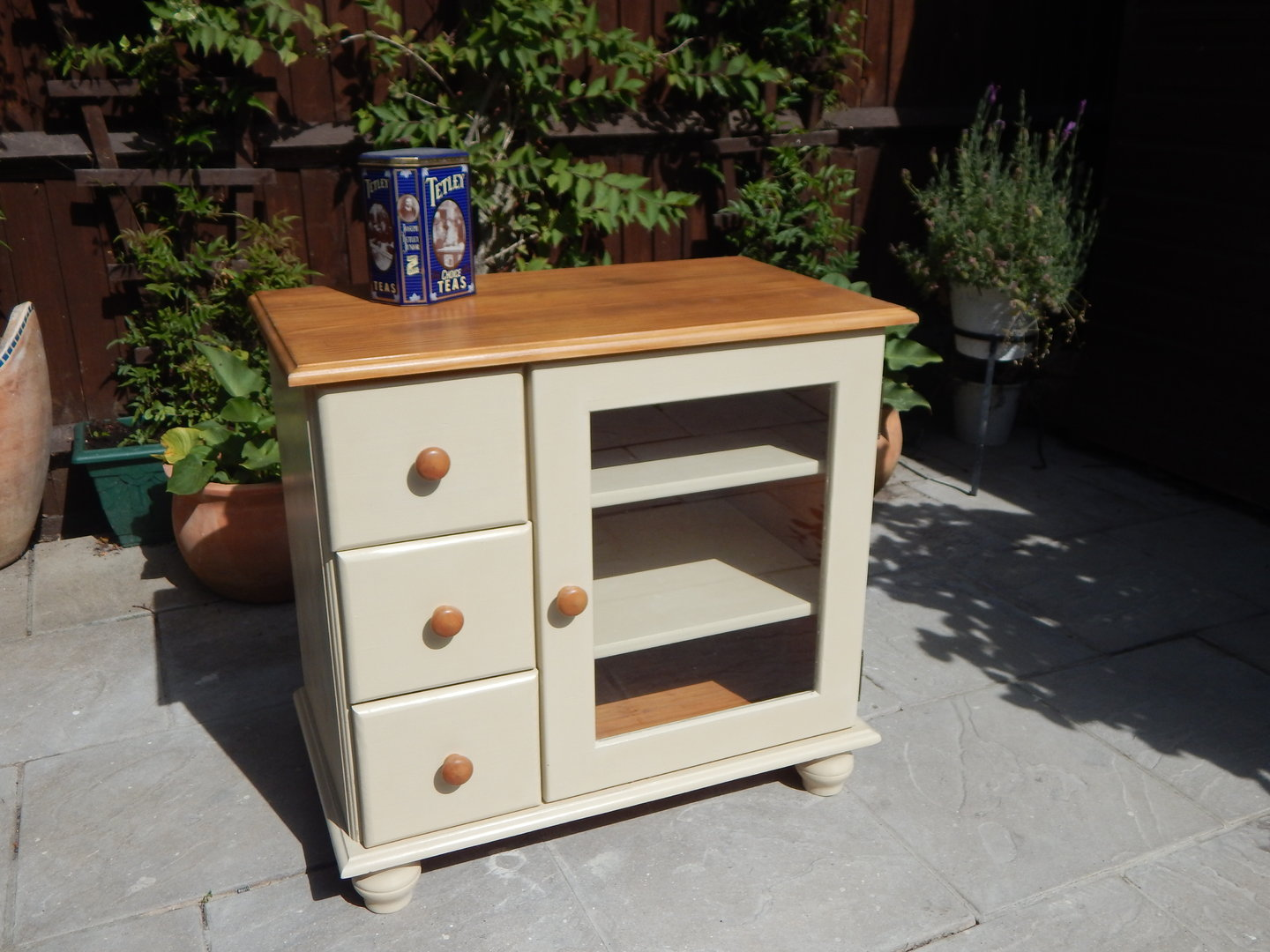 SOLID PINE TV  HiFi CABINET, SHABBY CHIC # # # SOLD # # #  moonstripe -> Tv Hifi Sideboard