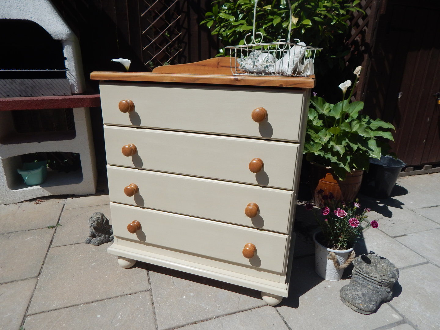 chest of drawers shabby chic 4 drawer sold moonstripe. Black Bedroom Furniture Sets. Home Design Ideas
