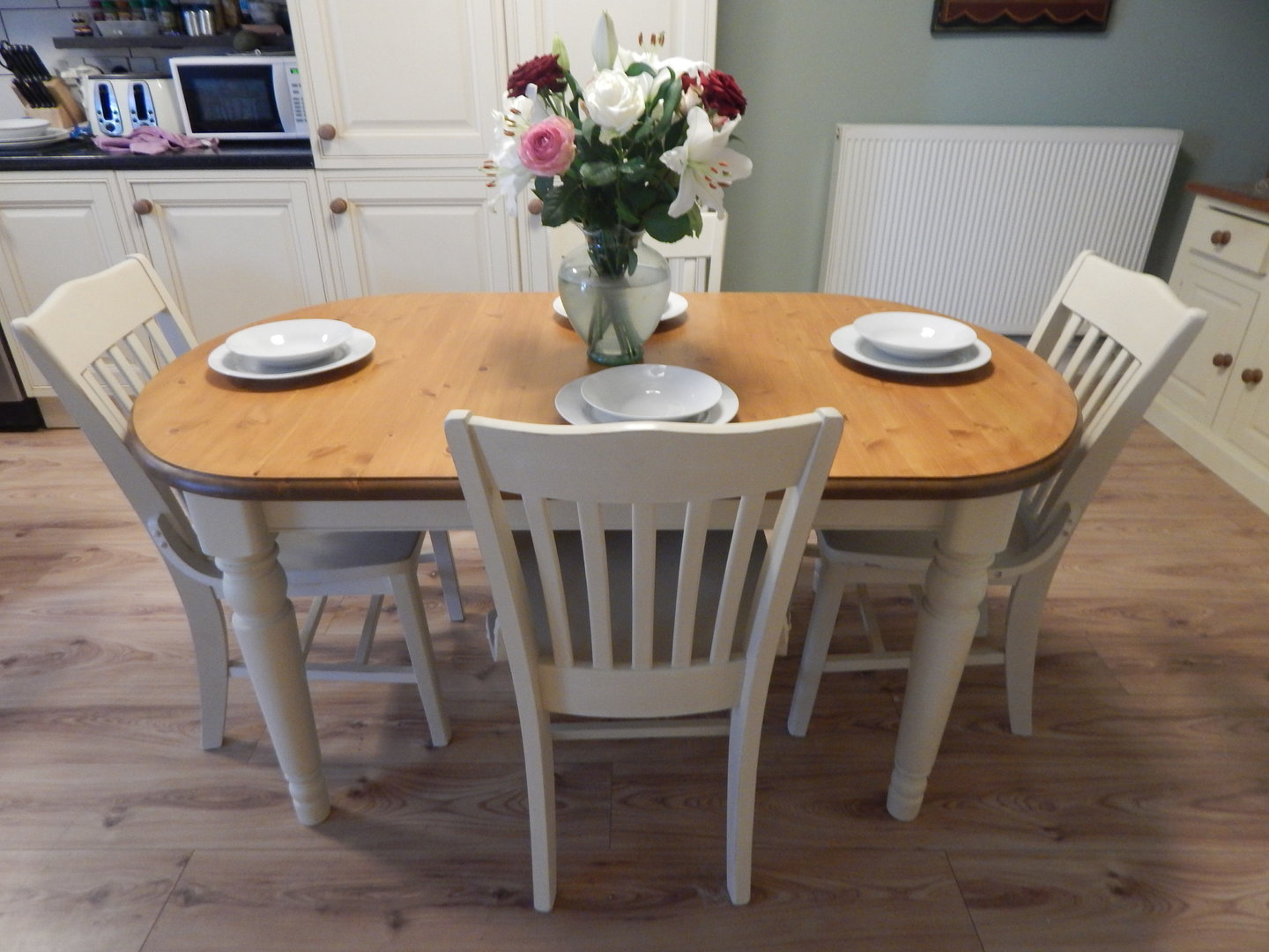 SHABBY CHIC , DUCAL PINE EXTENDING DINING TABLE & 6 CHAIRS
