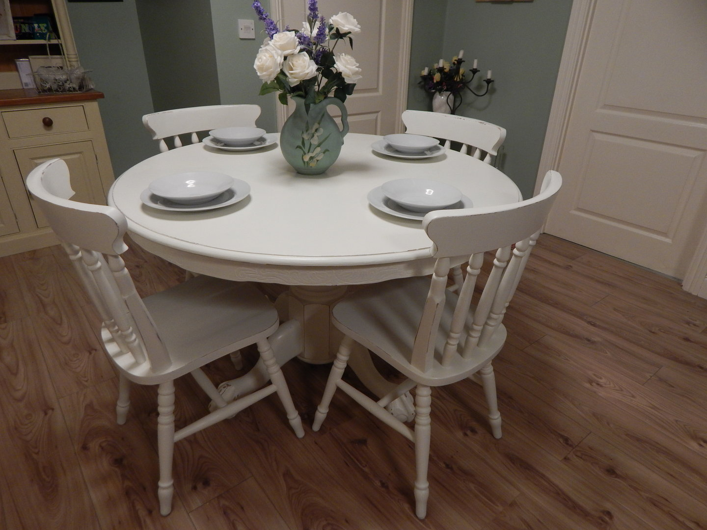 lovely shabby chic farmhouse table and 4 chairs sold moonstripe. Black Bedroom Furniture Sets. Home Design Ideas