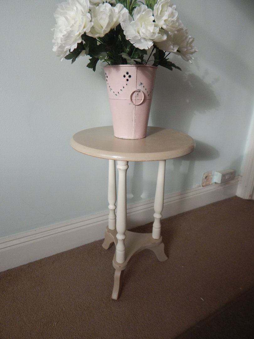 Shabby Chic Round Coffee Table Side Table Sold Moonstripe