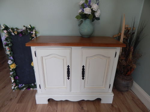 SHABBY CHIC VINTAGE OAK FARMHOUSE SIDEBOARD / CUPBOARD  # # SOLD # #