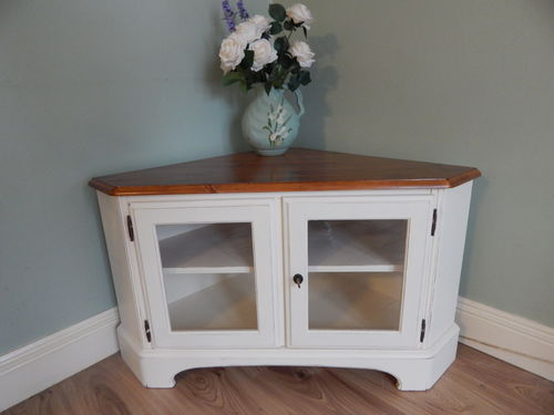 GORGEOUS DUCAL SOLID PINE TV CABINET  # # # SOLD # # #