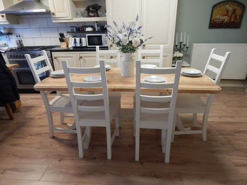 STUNNING LARGE SOLID PINE FARMHOUSE DINING TABLE & 6 CHAIRS