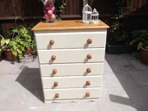 Chest of Drawers/ Dresser , Country Farmhouse - # # # SOLD # # #