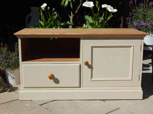 SHABBY CHIC, SOLID PINE, TV CABINET / MUSIC CENTRE # # # SOLD # # #