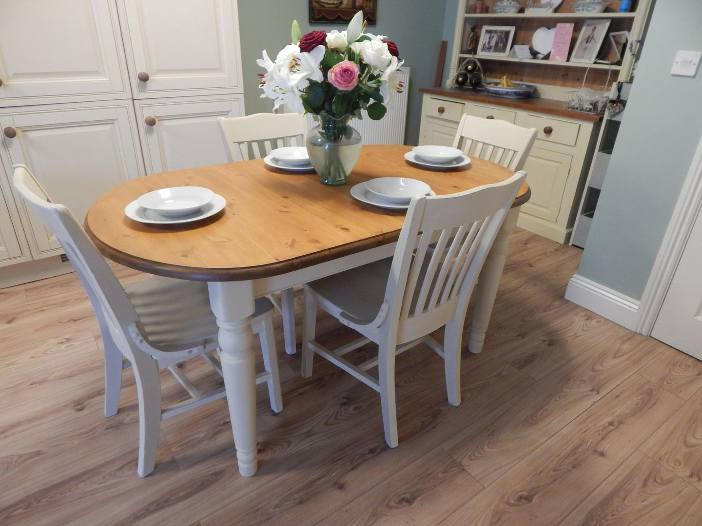 Shabby Chic Breakfast Table: SHABBY CHIC , DUCAL PINE EXTENDING DINING TABLE & 6 CHAIRS