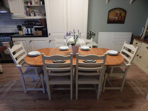 SOLID PINE , FARMHOUSE EXTENDING TABLE & 6 CHAIRS ## SOLD ##
