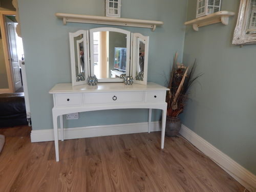 BEAUTIFUL, ELEGANT DRESSING TABLE & MIRROR / HALL TABLE , STAG MINSTREL # # SOLD # #