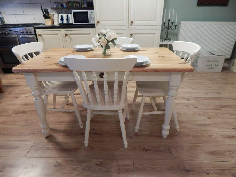 Gorgeous Vintage Country Farmhouse Pine Dining Table 4 Chairs