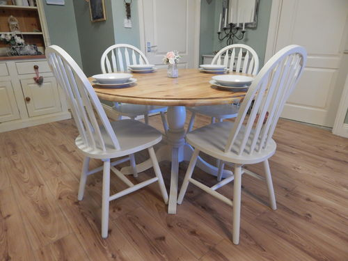 VINTAGE ROUND SOLID PINE FARMHOUSE DINING TABLE & 4 CHAIRS