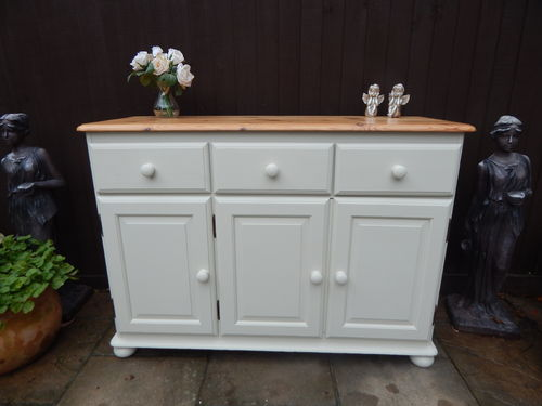 LARGE PINE, VINTAGE COUNTRY FARMHOUSE SIDEBOARD / DRESSER