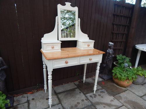 GORGEOUS , ELEGANT VINTAGE COUNTRY FARMHOUSE PINE DRESSING TABLE & MIRROR SET
