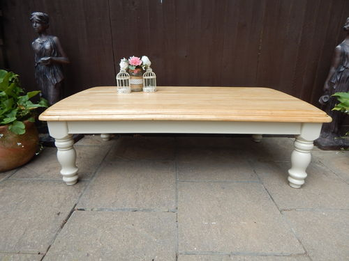 GORGEOUS LARGE VINTAGE BEECH FARMHOUSE COFFEE TABLE