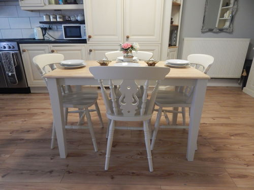 VINTAGE BEECH FARMHOUSE KITCHEN DINING TABLE & 4 CHAIRS
