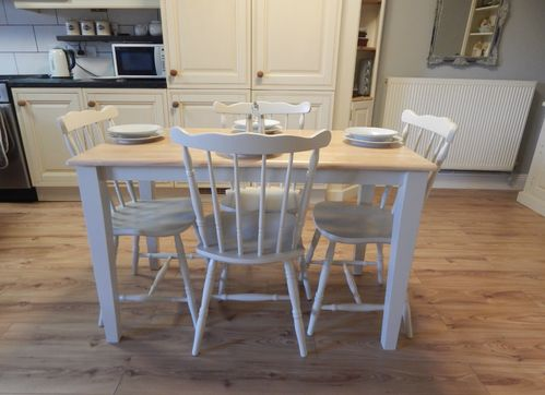 Vintage Beech Farmhouse Kitchen / Dining table & 4 elegant Oak chairs  # # SOLD # #